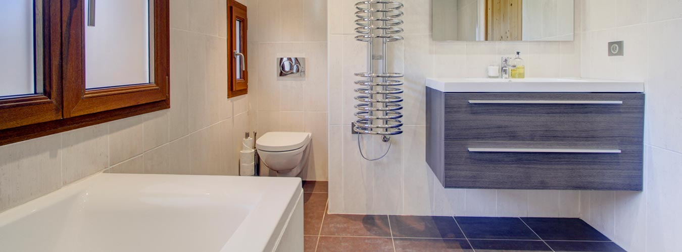 Image of Chalet Poppy - First floor bathroom